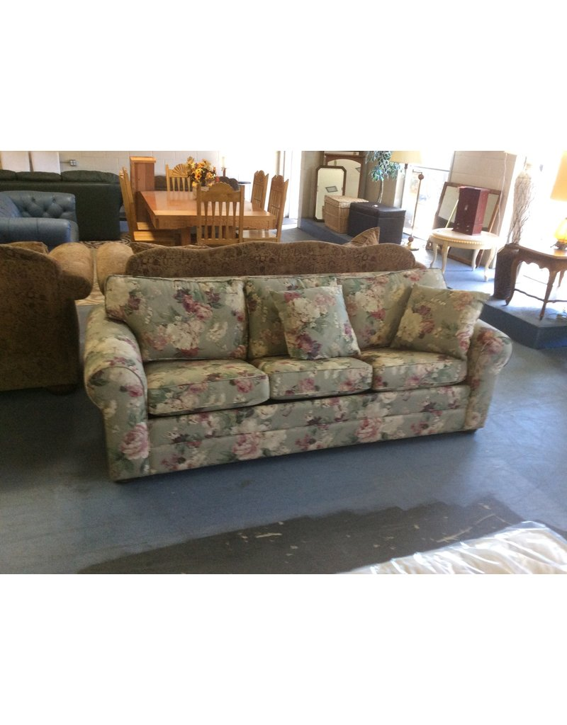 Sofa /  floral w queen size bed