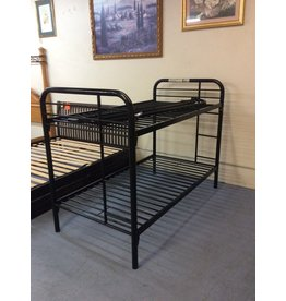 T / T bunkbed / black metal