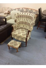 Wingback chair / floral w footstool