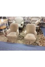 Small chair / swivel n tan