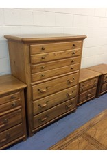 5 drawer chest / oak w metal handles