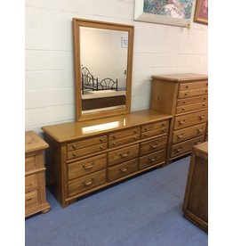 9 drawer dresser w mirror / oak w metal handles
