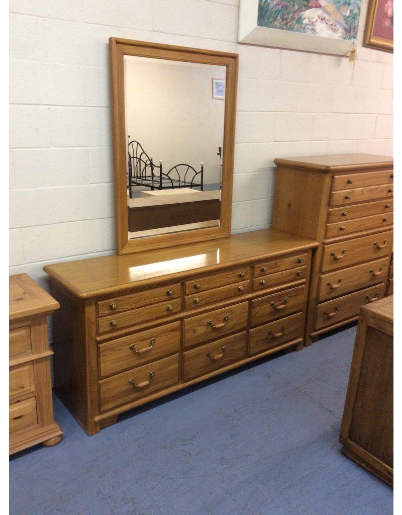 9 drawer dresser w mirror / oak w metal handles