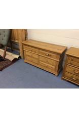6 drawer dresser / pine