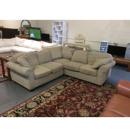 2 piece sectional / grey tweed