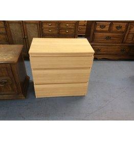 3 drawer chest / blonde