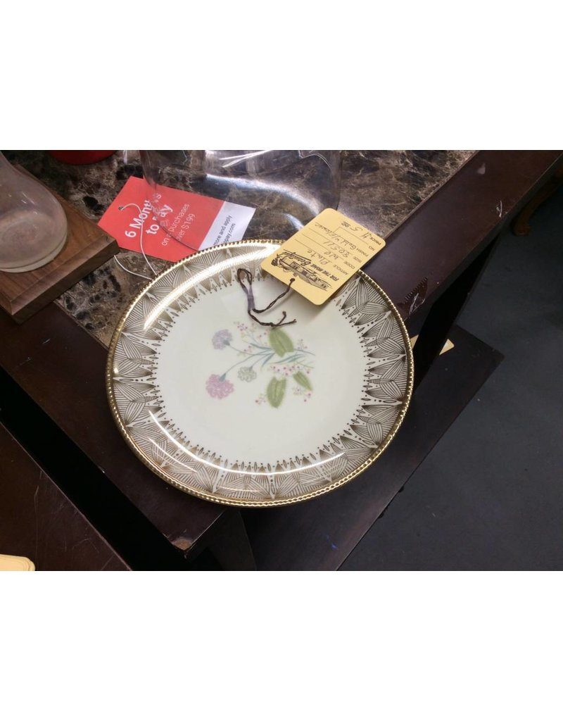 Plate gold with flower