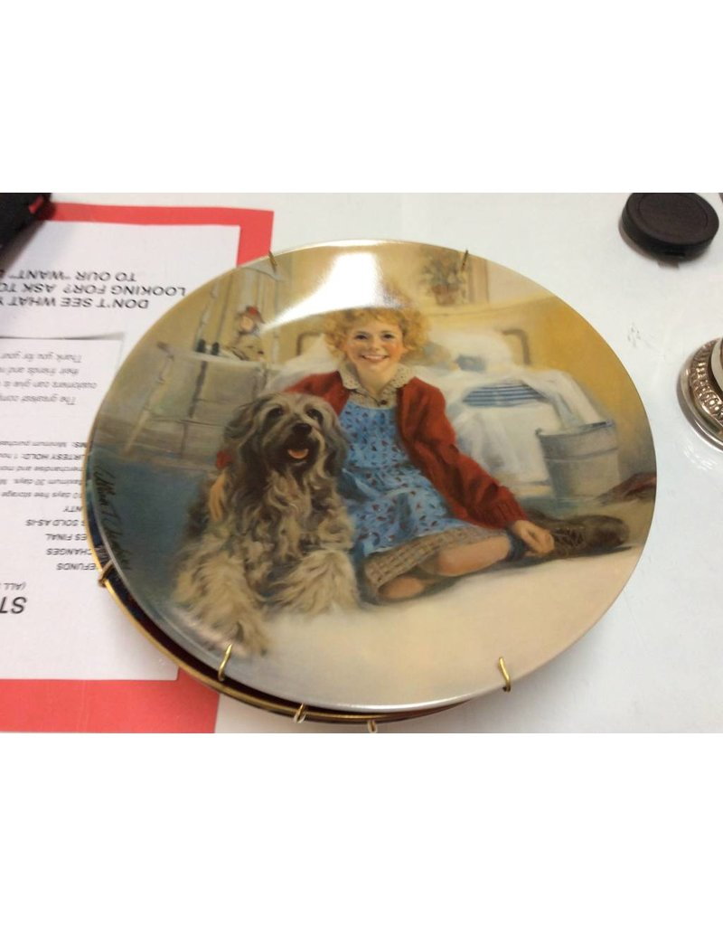 Decor plate girl and dog