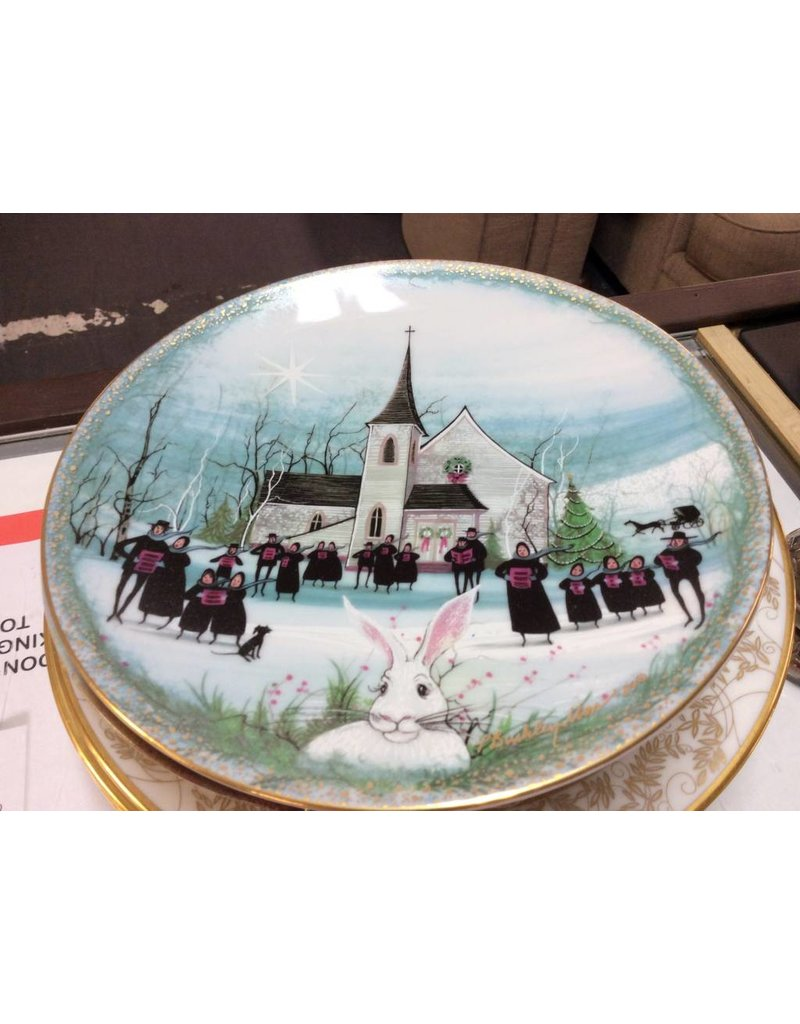 Decor plate church with singers