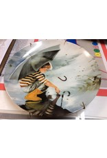 Decor plate boy with umbrella