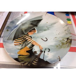 Decor plate boy with umbrella
