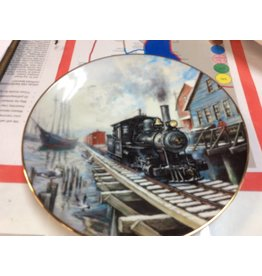 Decor plate train and boat