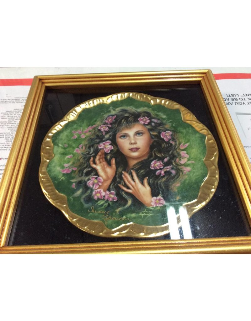 Shadow box with decor plate ladie with flowers in hair
