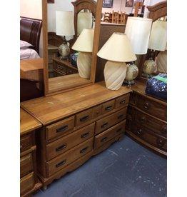 7drawer dresser / oak w mirror