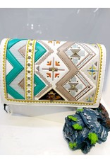 40241491 - White Clutch Bag