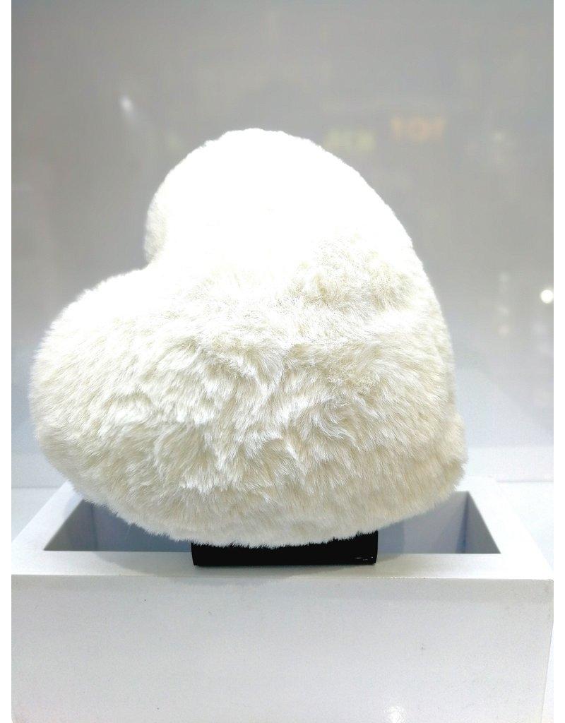 40241289 - Heart Fur White Clutch Bag