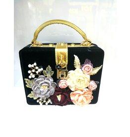 40241326 - Black Box Floral Clutch Bag