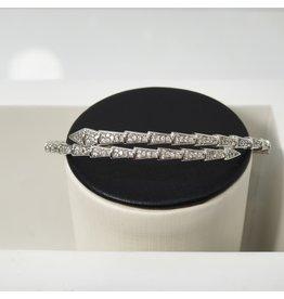 C126 - Silver Bangle