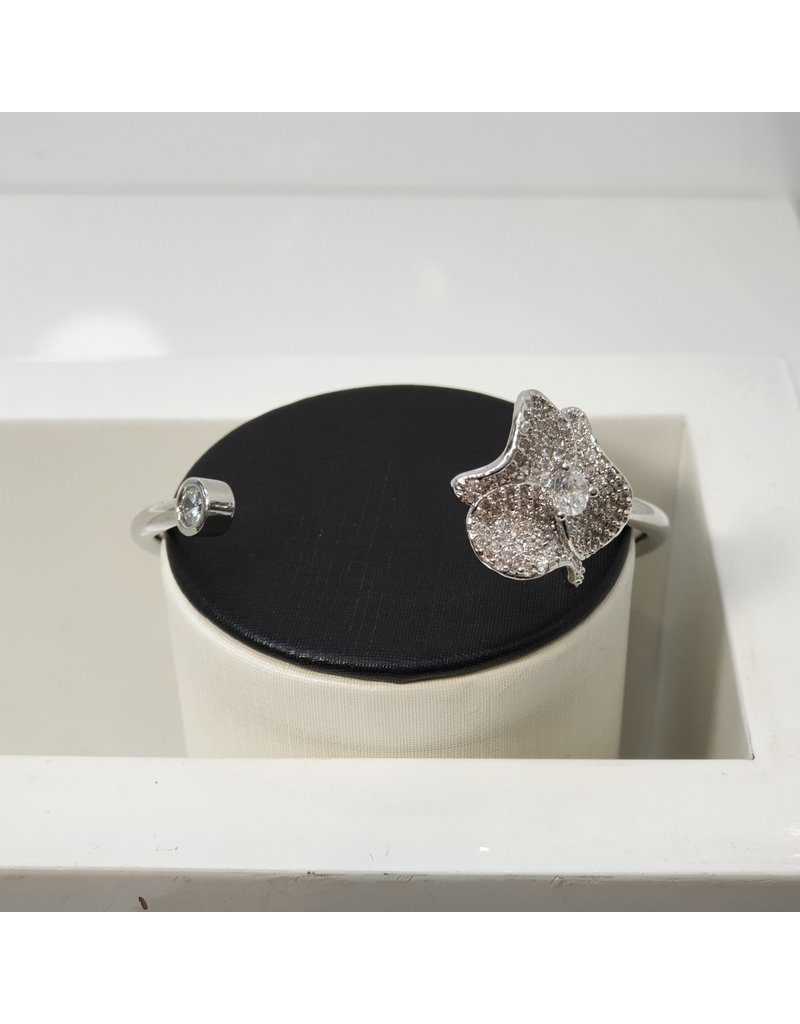C162 - Silver Bangle