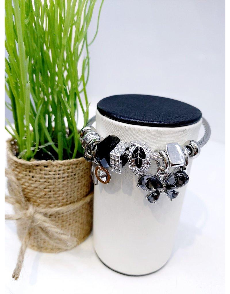 BAE0038-Black Flower Charm Bracelet
