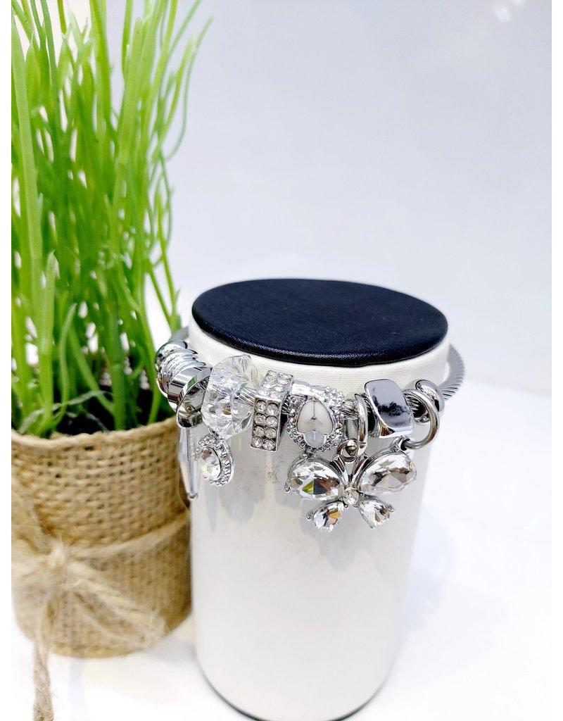 BAE0037-White Flower Charm Bracelet