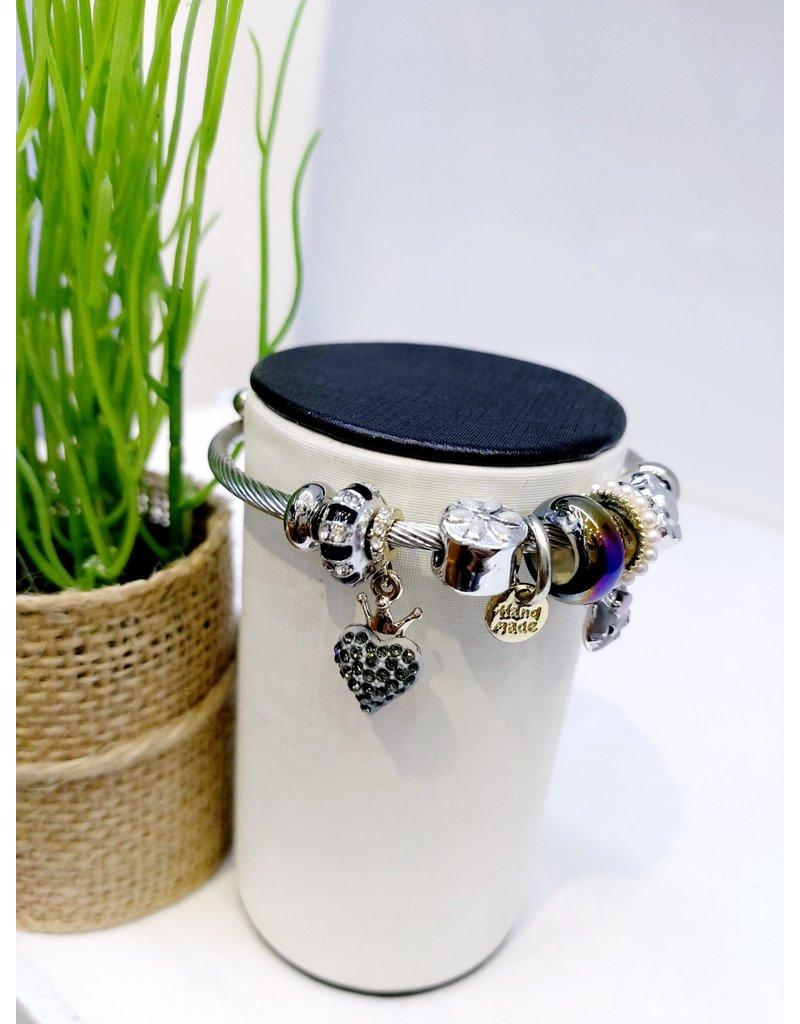 BAE0068-Black Heart Charm Bracelet
