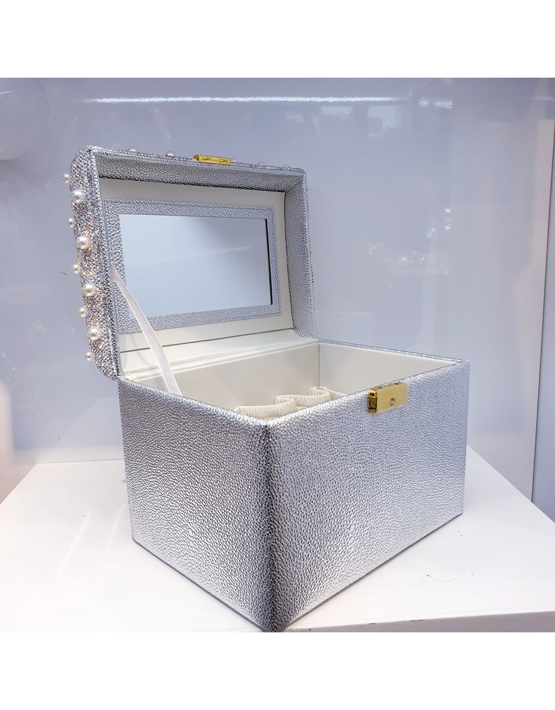 60262069 - Jewellery Box with Pearls