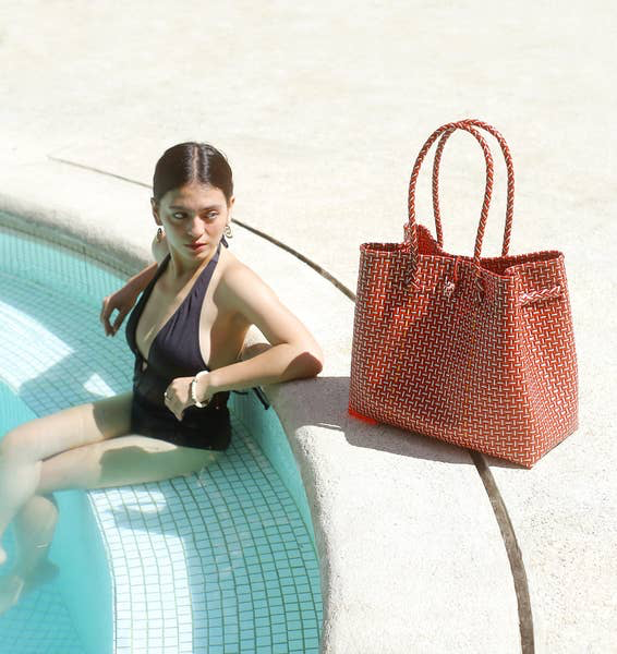 Brunna Co. TOKO BAZAAR WOVEN TOTE BAG MED. RED