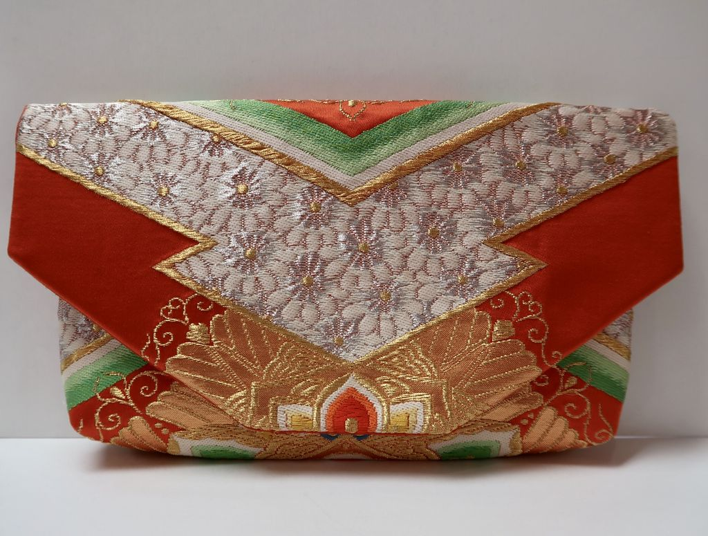 Leina Aonuma ORANGE/GOLD/GREEN FLOWERS/HEARTS: OBI CLUTCH