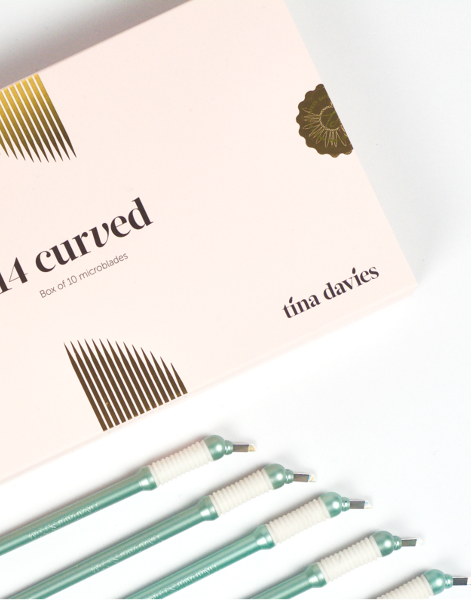 14 CURVED MICROBLADE (10) TINA DAVIES