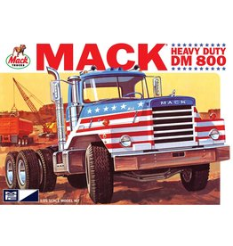 MPC MPC899 1/25 MACK DM800 SEMI TRACTOR