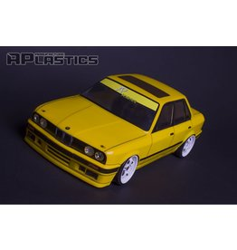 APLASTICS APS0003 1/10 BMW E30 SEDAN CLEAR BODY
