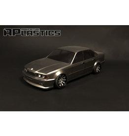 APLASTICS APS0005 1/10 BMW E34 SEDAN CLEAR BODY