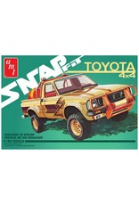 AMT AMT1114M 1/25 1980 TOYOTA HILUX SR5 PICKUP SNAP