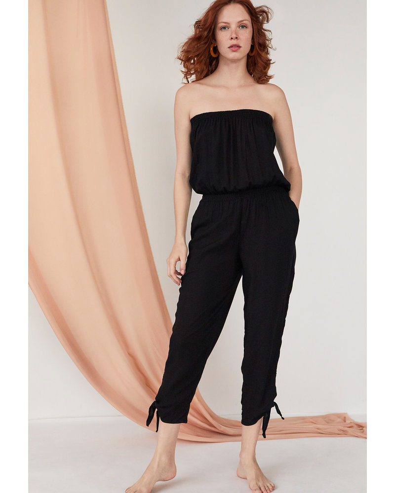 Cool Change Maya Jumpsuit Solid Black R20