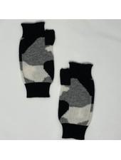 Brodie Camo Wrist Warmers Black/Organic White & Mid Grey F20