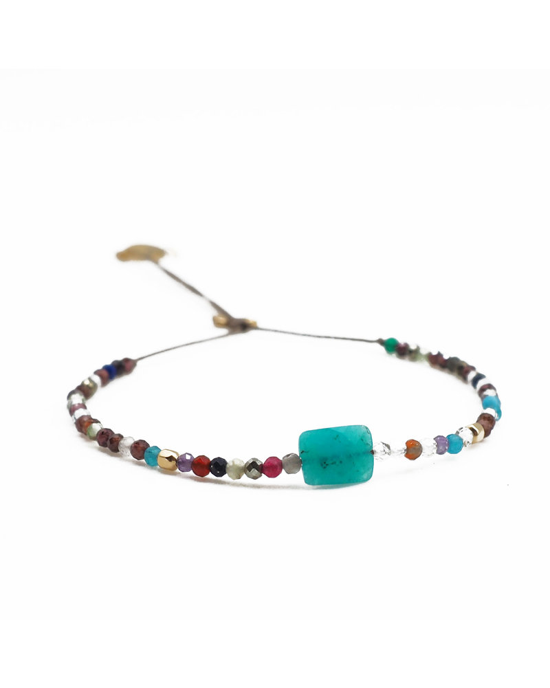 By Johanne ART5362 Earth - 1 turquoise stone and all over agate stones cord bracelet