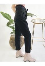 Pantalon en denim taille haute avec ceinture