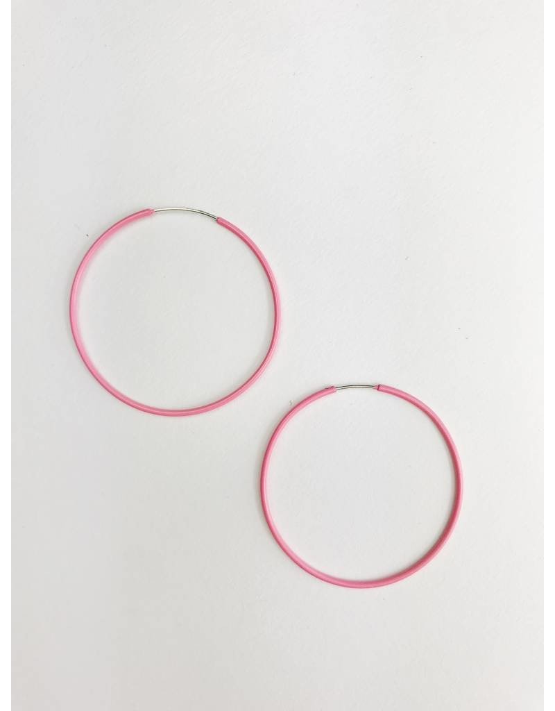 Misty - Boucles d'oreilles plaqué argent avec émail rose