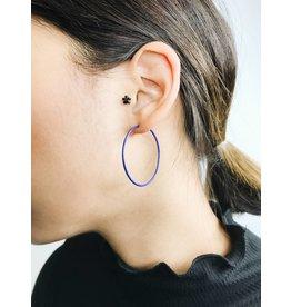 Misty - Boucles d'oreilles plaqué argent avec émail bleu