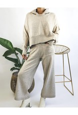 Pull surdimensionné en tricot à capuche