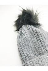 Bonnet avec pompon en fausse fourrure - Gris