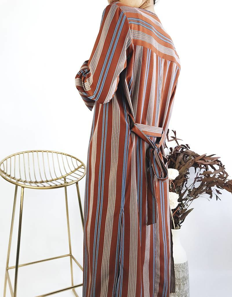 Kimono rayé avec ceinture