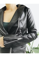 Veste de motard ajustée en similicuir