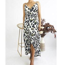 Robe longue portefeuille à bretelles et à imprimé léopard