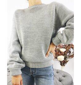 Pull en tricot avec dos ouvert