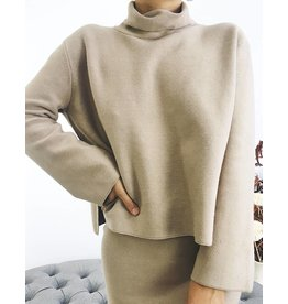 Col roulé en tricot surdimensionné avec fentes latérales