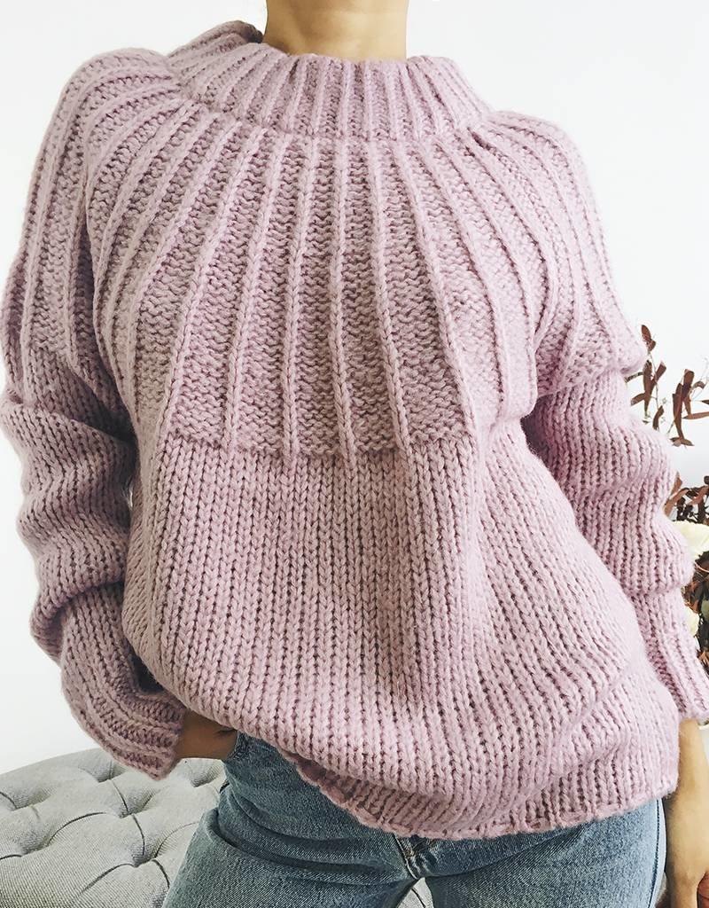 Pull en tricot surdimensionné avec détail au dos