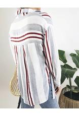 Chemise surdimensionnée avec noeud sur le devant