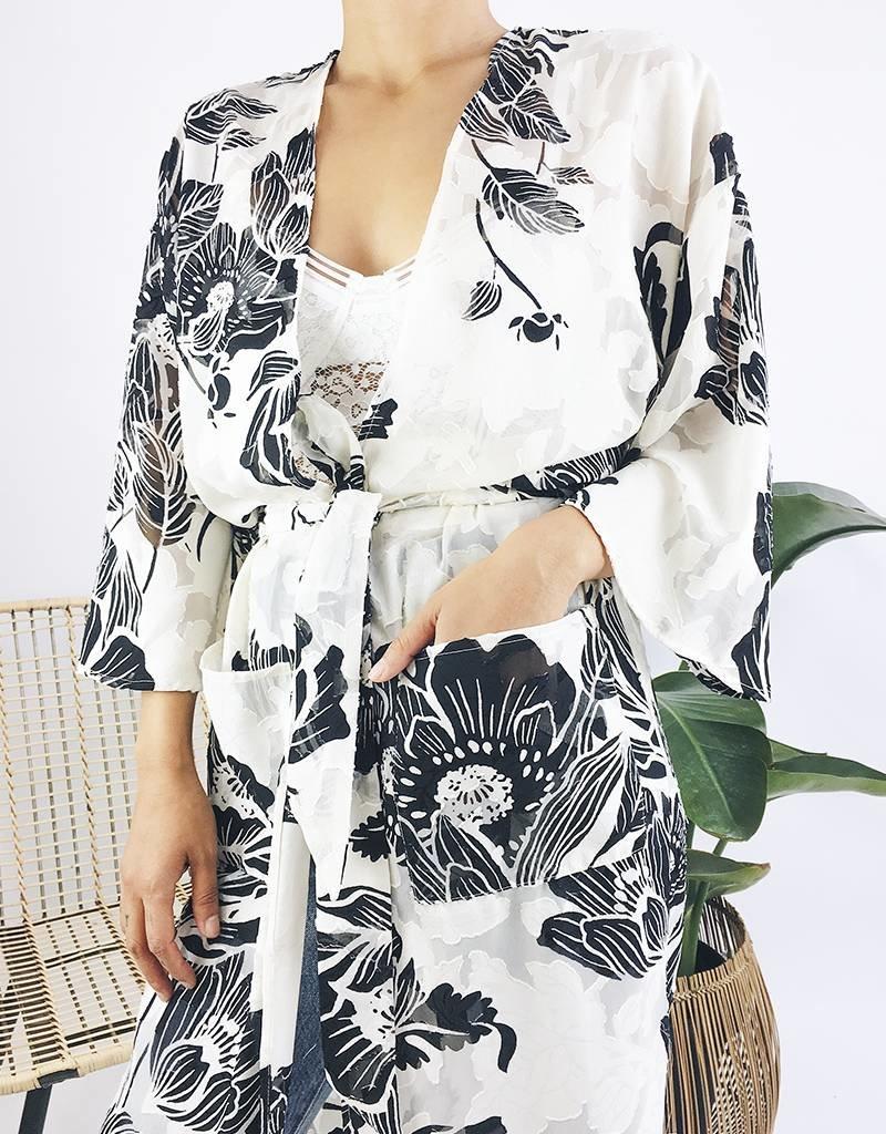 Kimono à imprimé floral et ceinture